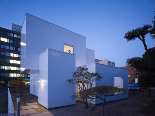 Minimalist Home Designs, Ultra Minimalist House Made Of Boxes in Japan
