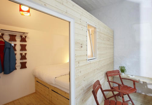 Modern Furniture, Huetten Palast Hotel in Berlin Offers You Outdoors-like Rooms Inside
