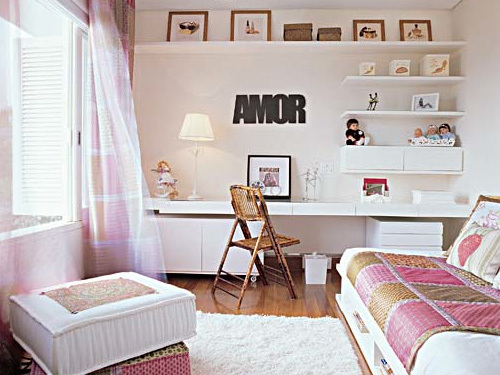 TV For Girls Room http://davinong.com/design/134/20-teenage-girl-room-design-ideas