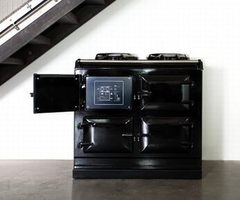 Iron-Cast Aga Total Control Cooker With iPhone Support