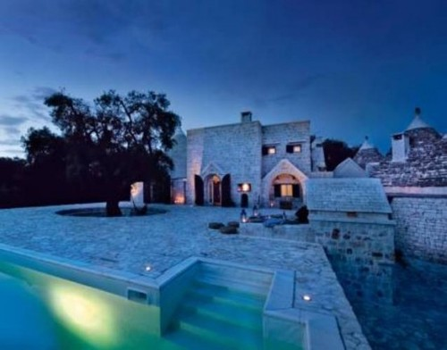 Rough Stone House Cladding, A Castle In The Southern Italy To Spend A Weekend