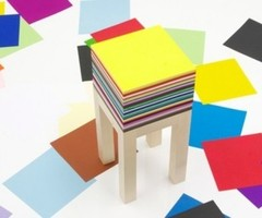 Functional Drawing Table With 1800 Sheets Of Paper