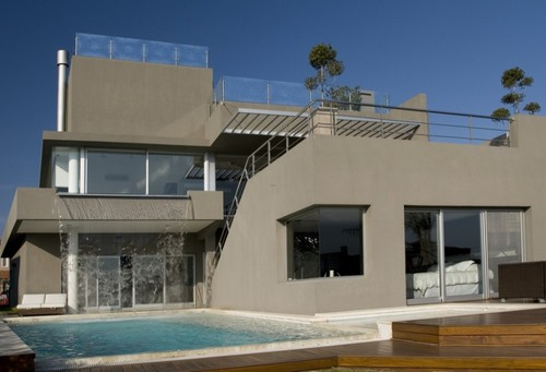 Modern House Front Design, Luxury and Modern Waterfall House by Andres Remy Arquitectos in Buenos Aires