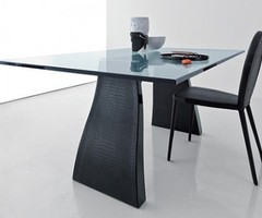 Contemporary Glass Dining Table with Leather Chairs by Compar