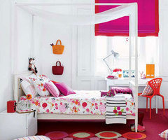 Teen girl's bedroom design