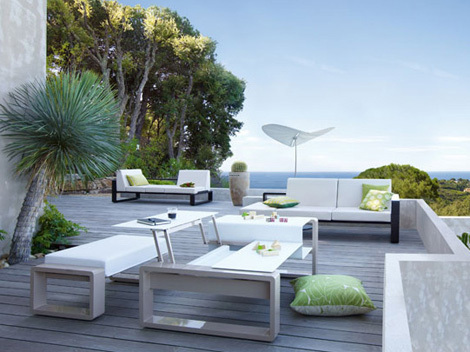 Modern Outdoor Table And Chairs Design, Modern Patio Furniture Sets, Table
