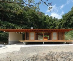 Small Japanese Wooden House Design by K2 Design