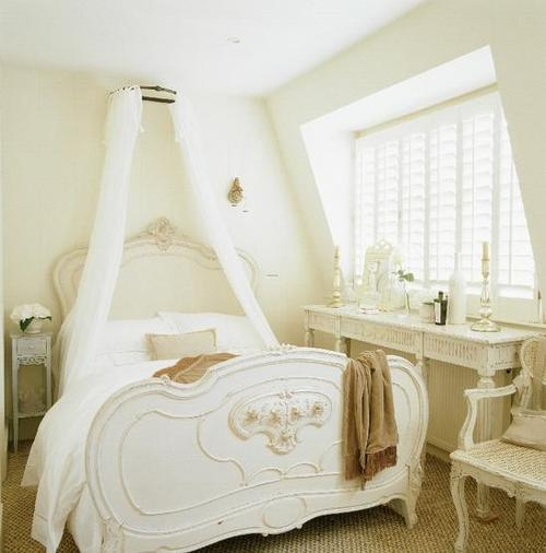 Romantic white bed in french country style bedroom for French boudoir bedroom ideas