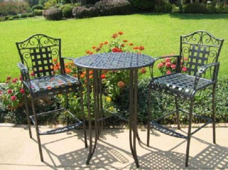 Chaises De Patio En Plein Air, Modern Furniture Blog Review: Outdoor Patio Furniture Bar Mandalay Iron Bistro Set