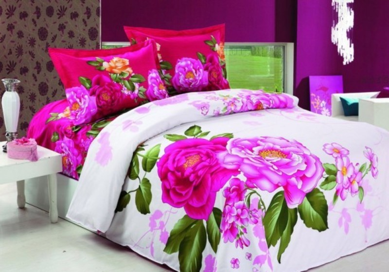 Bedroom design idea with pink floral bedding sheets for Interior design bed sheets