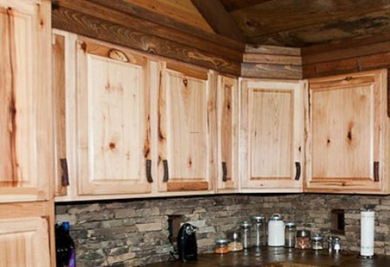 Rustic kitchen cabinet design bookmark 2006 for Cabin kitchen backsplash ideas