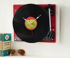 Vintage Garrad Record Player Clock For Retro Decor