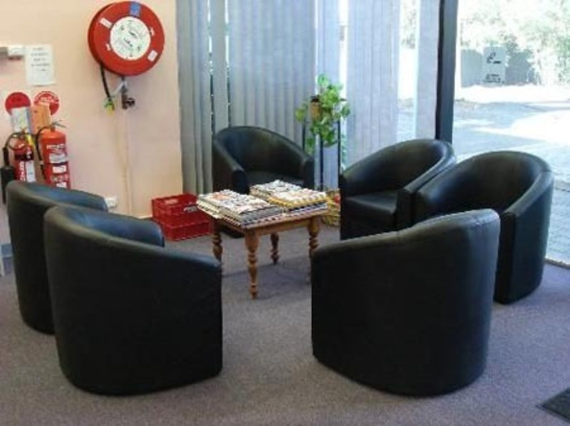 Office Waiting Room Design, Traditional and Modern Office Room Design
