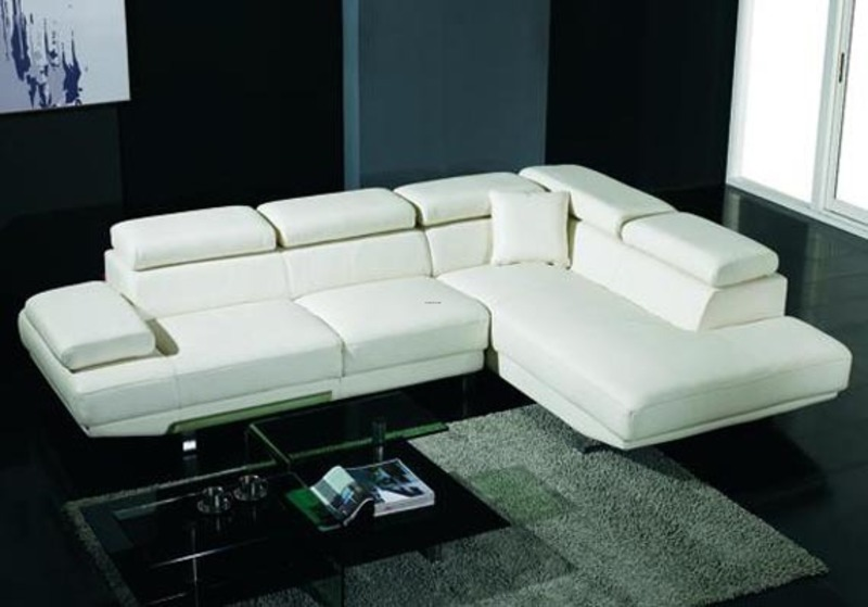 Modern and sleek white sectional sofa design living room Sleek sofa set designs