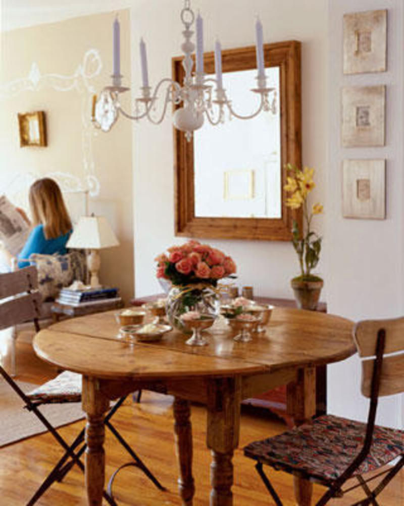 Decorating With Antiques: Vintage Decorating Ideas