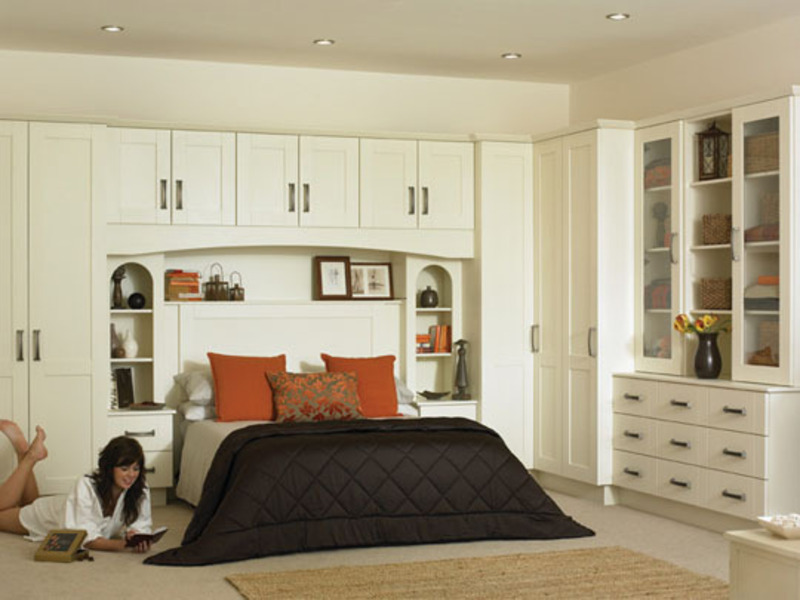 Fitted wardrobes fitted bedrooms fitted sliding for Bedroom ideas with built in wardrobes