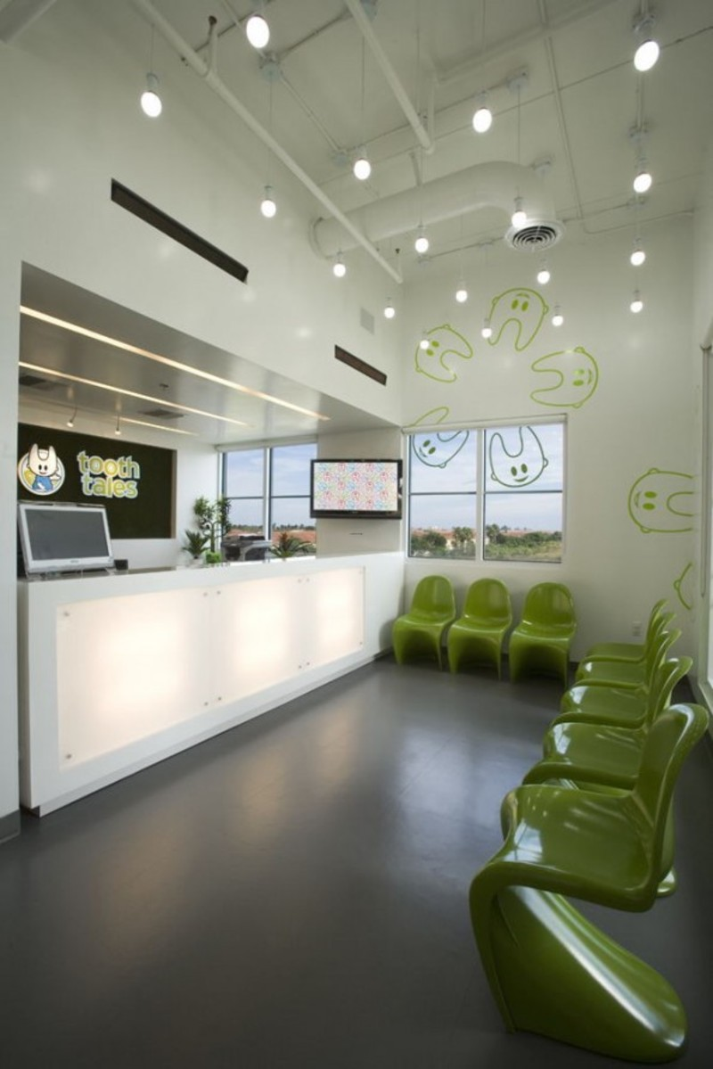 The interior design of pediatric dental office in florida for Office room interior designs