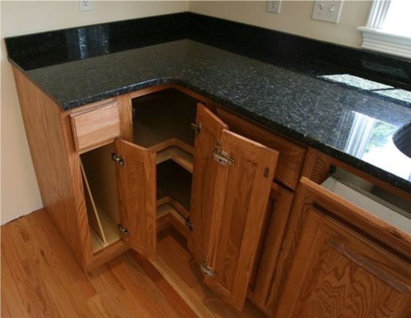 Black Granite Counters With Oak Cabinets Pictures Oak Kitchen