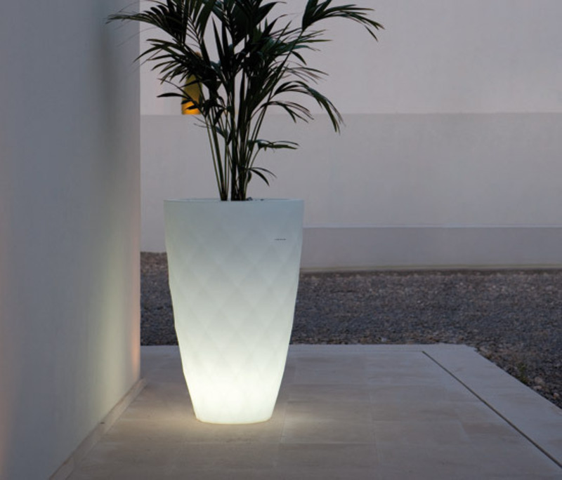 Outdoor Modern Lighting, Design Modern Furniture and Outdoor Lighting