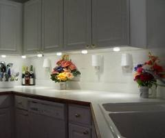 LED and Compact Fluorescent Under Cabinet Lighting
