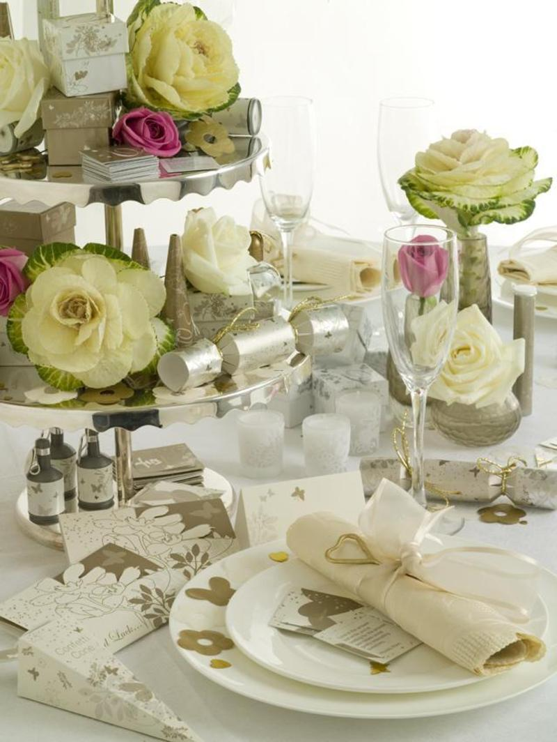 Wedding decorations table centrepieces confetti table for Wedding reception centrepieces