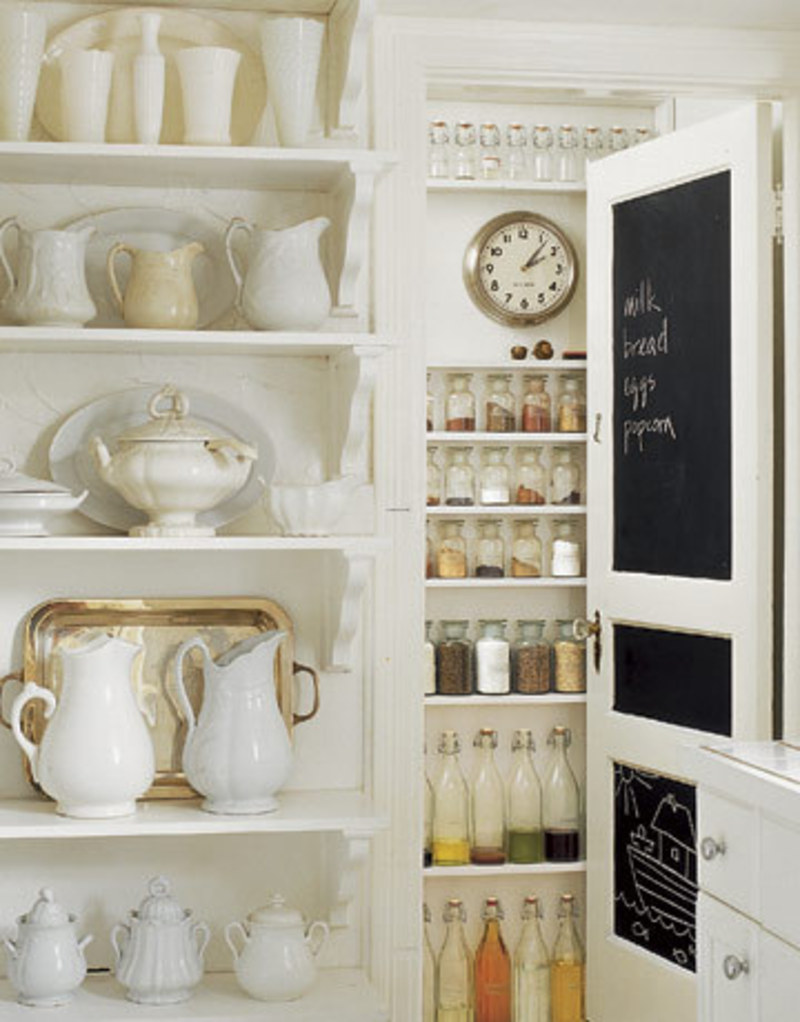 Dishfunctional designs chalk it up creative uses for for Kitchen pantry ideas