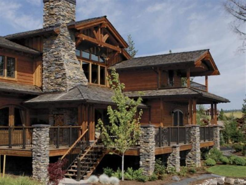 The beauty and strong impression of stone veneer house for Impressions home designs