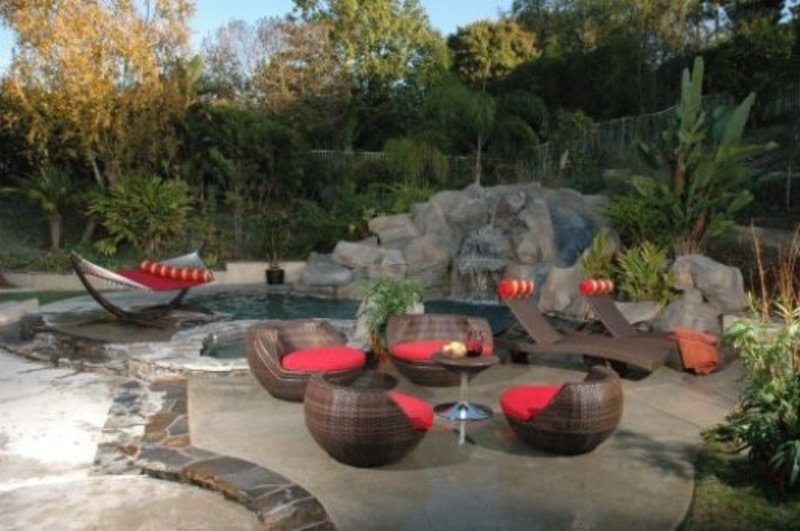 Patio decorating ideas photos dream house experience for Unusual furniture ideas