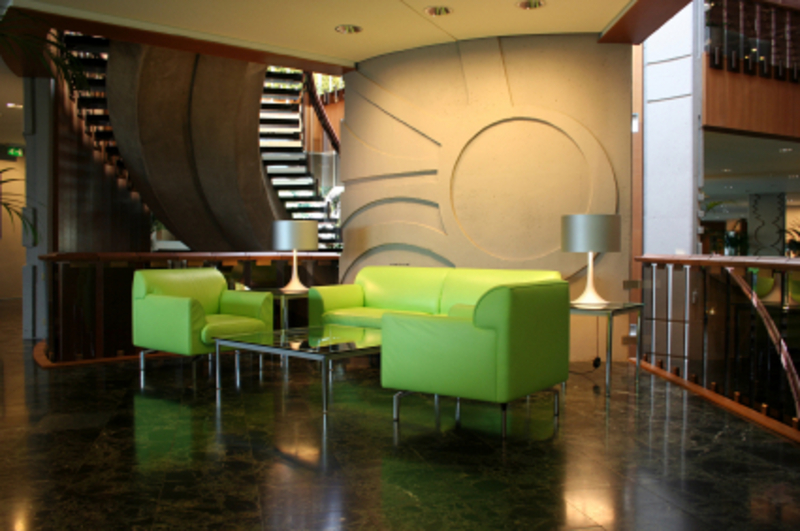 giving good impression in your office lobby with office