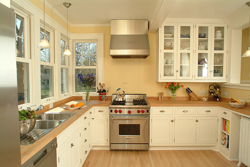 Painting Cabinets White I Like The Whitestat Cabinets Especially The