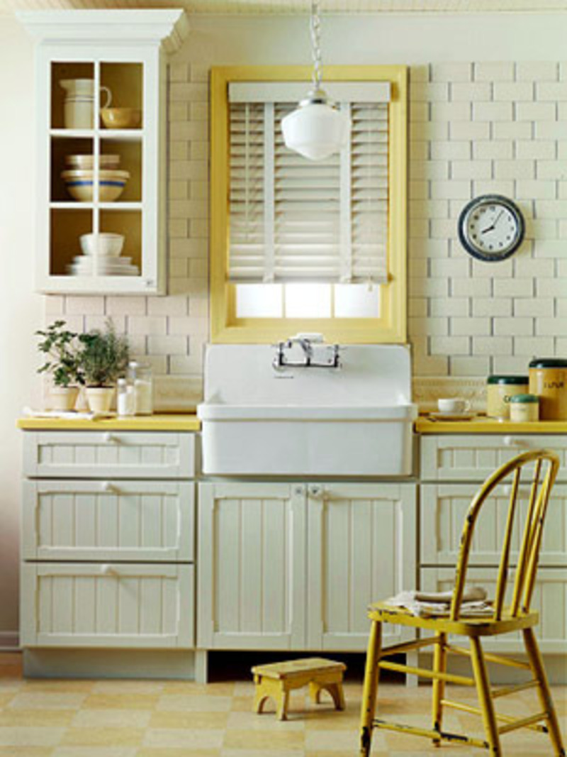 What color to paint your cottage style kitchen cabinets for Bungalow style kitchen cabinets