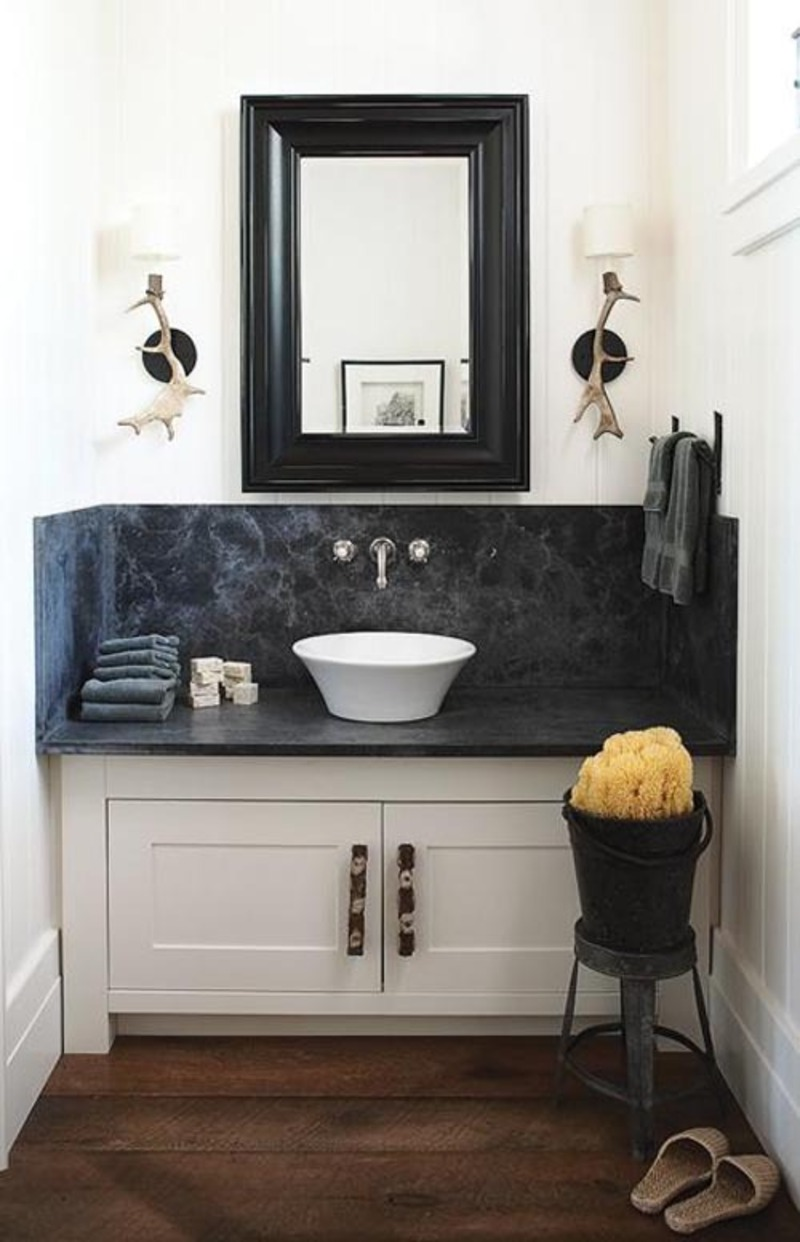 Little bathroom decorating inspiration in a minimal space for Bathroom powder room designs