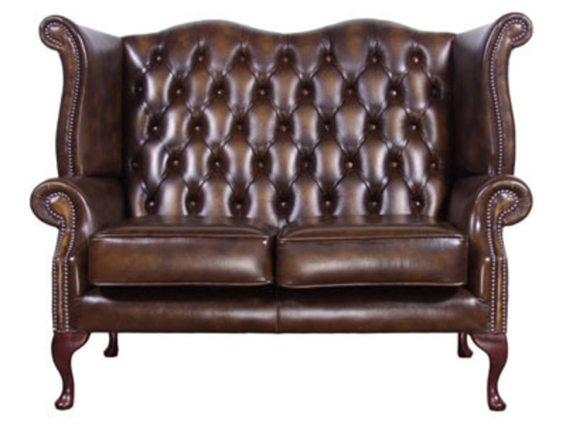 An Antique Classic – The Queen Anne Leather Sofa design