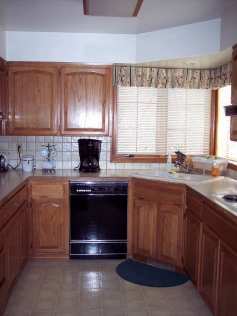 Small kitchen designs casual cottage Compact kitchen ideas
