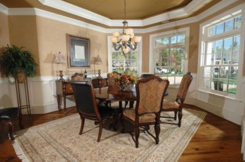 More decorating dining room ideas design bookmark 5618 for Decorating ideas for large dining room wall
