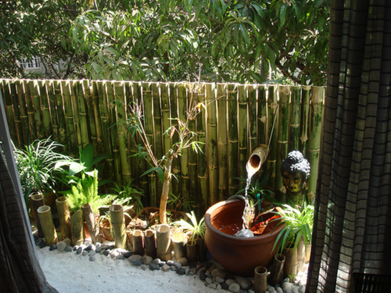 Balcony garden design bookmark 5821 for Balcony zen garden ideas