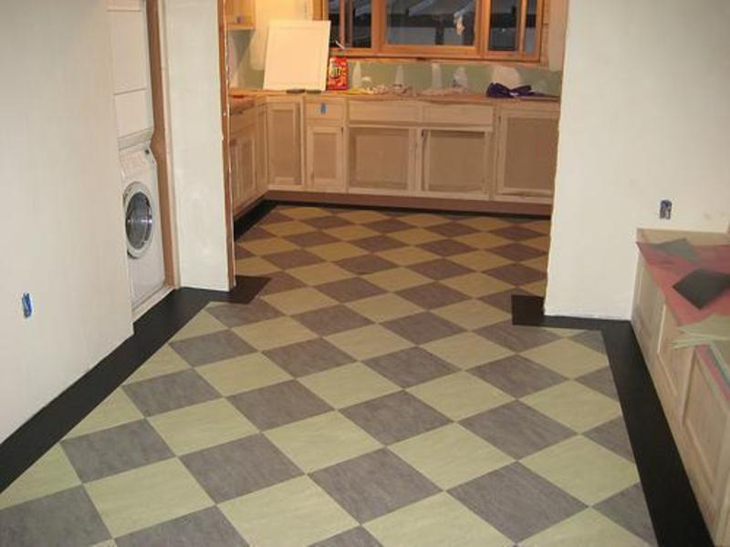 Kitchen flooring tiles ideas design bookmark 6004 for Linoleum kitchen flooring