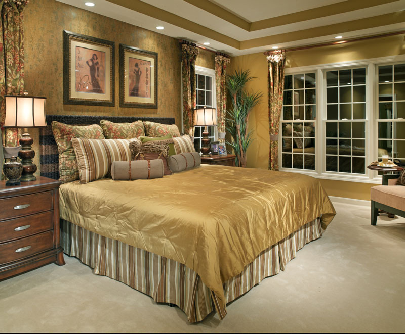 Master bedroom decorating ideas with gold king bed size for King bed decoration