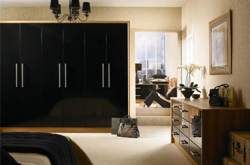 Modern Wardrobe With Tv In Door For Modern Bedroom | Tomsplans