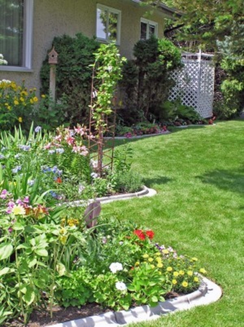 Backyard garden ideas photos photograph landscaping ideas for Garden design landscaping ideas