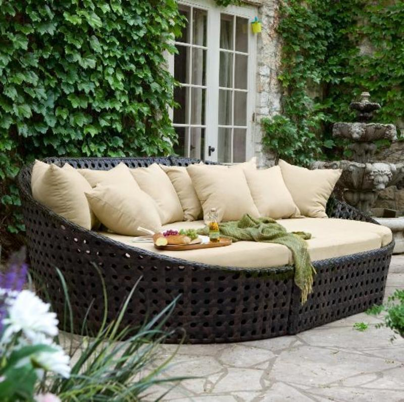 comfortable outdoor patio seating with walter lamb lounge. Black Bedroom Furniture Sets. Home Design Ideas