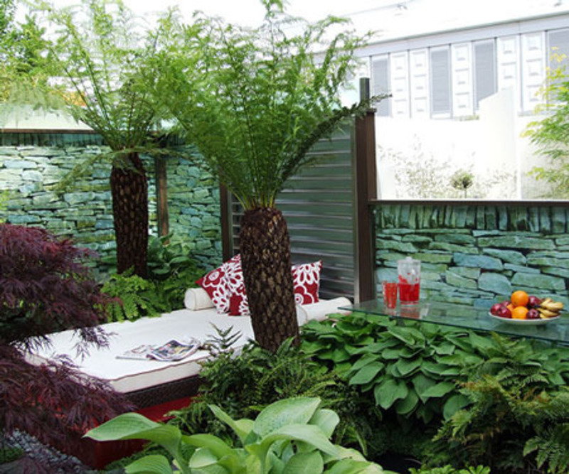 Ferdian beuh small backyard landscaping pictures for Yard landscaping ideas
