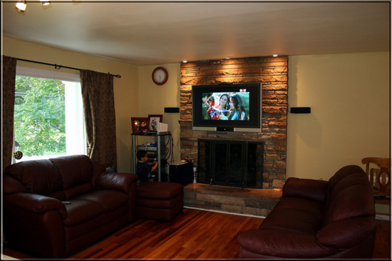 Wall Decoration Above Tv : Decorating ideas for fireplace walls