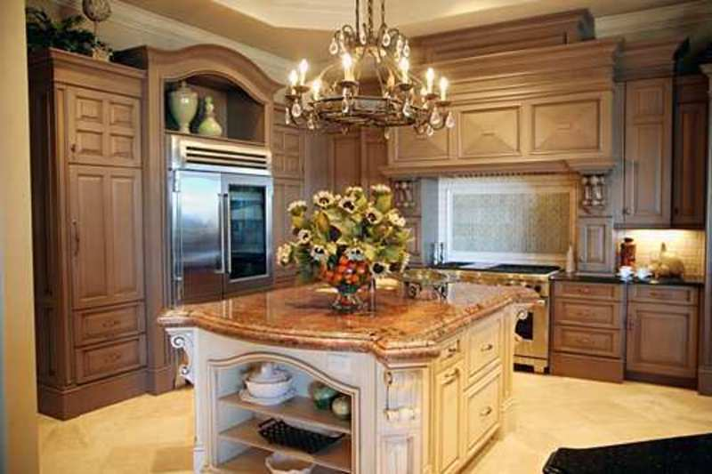 Kitchen islands design photos pictures selections design for Tuscan style kitchen lighting