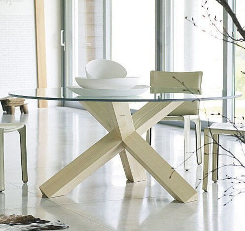 Round Table Design, Minimalist design round table