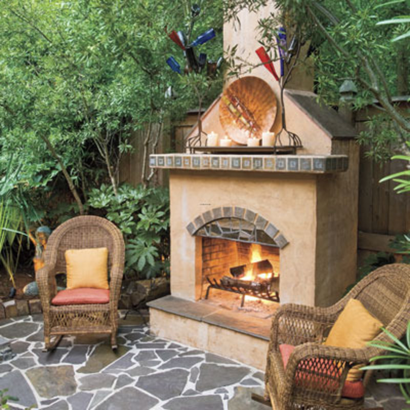 Outdoor Patio Ideas for Small Backyards 800 x 800