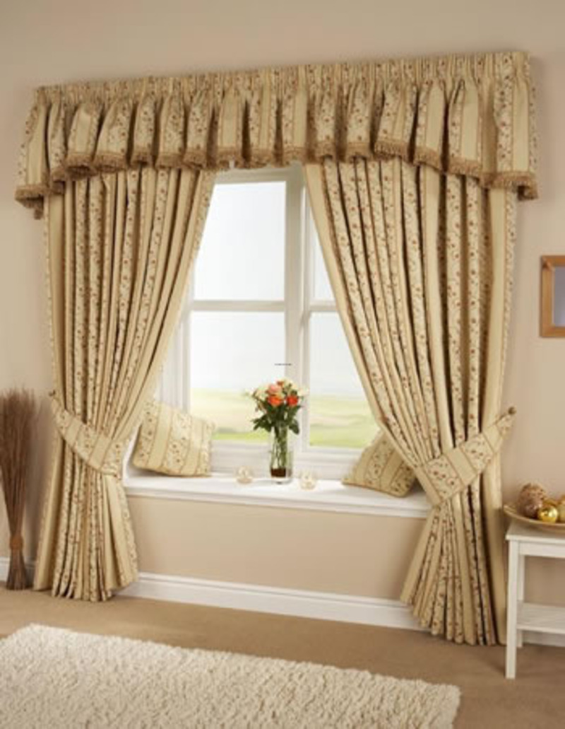 Living room window curtains ideas for Living room valances