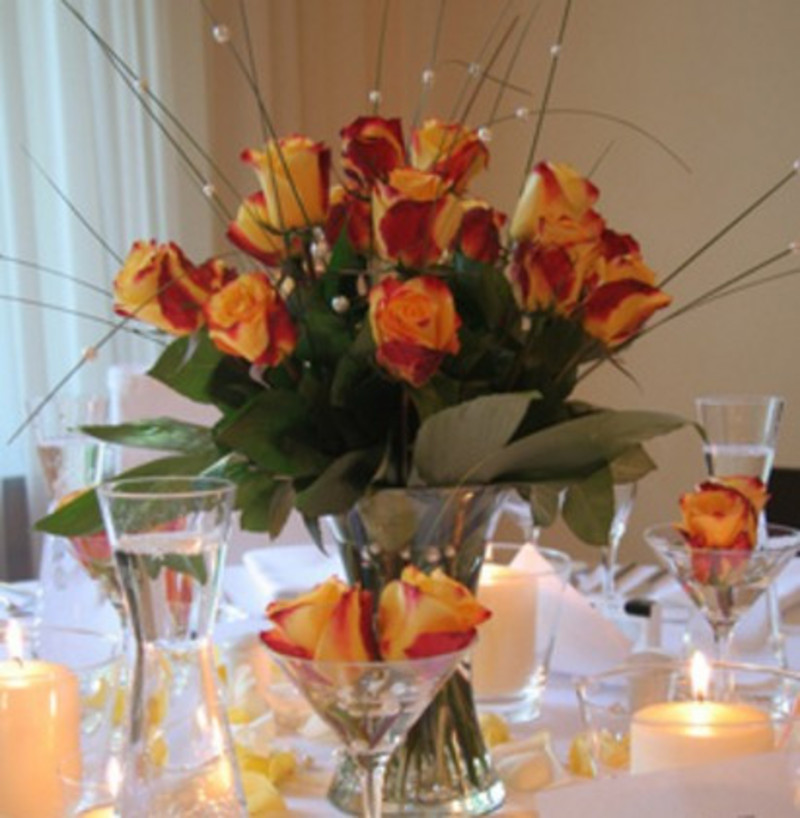 Tereza 39 s blog a simple way to decorate your wedding for Simple wedding reception table decorations