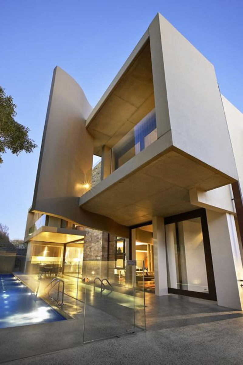 The unique and contemporary home design by frank macchia for Australian architecture