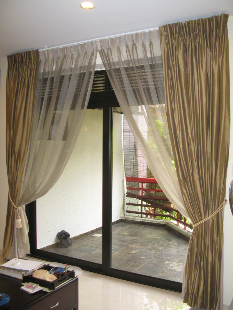 Natural interior design 2011 modern luxury curtains for - Modern curtain ideas for living room ...
